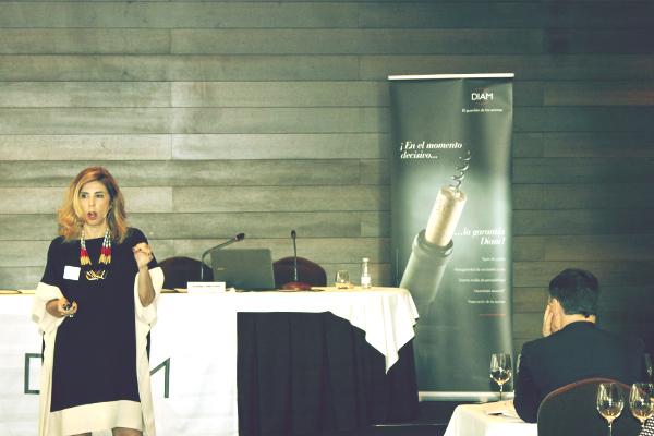 Jornada sobre el mundo del vino Premium organizada por DIAM en la que participa Susana Campuzano